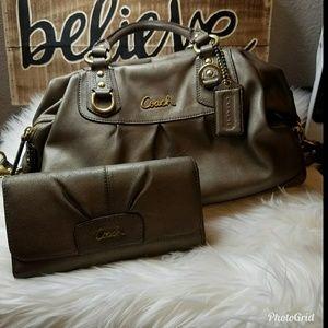 Authentic Coach handbag w/wallet